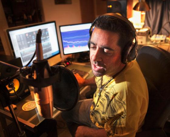 Em 10º lugar estão os locutores de rádio. Confira mais informações sobre a carreira de Rádio e TV