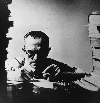 Principais obras: São Bernardo (1934), Vidas Secas (1938), e Memórias do Cárcere (1953). (Foto: Biblioteca de São Paulo)
