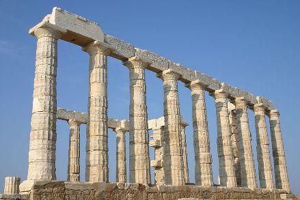 Para entender o desenvolvimento político, científico e cultural do Ocidente, é necessário estudar a história da Grécia Antiga. Nesta sociedade, nasce um dos pilares das nações modernas: a propriedade privada. Imagem: Wiki Commons