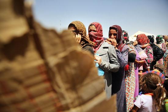 Enquanto isso, o Isis continua a se fortalecer e a ganhar territórios. Na Síria, deixaram o combate ao regime de Assad para segundo plano e passaram a combater outros grupos extremistas sunitas, em uma tentativa de se impor como a liderança jihadista global. (FOTO: Getty Images)