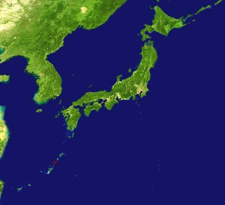Por conta do território pequeno o Japão importa muita matéria-prima de China, Estados Unidos e Austrália. O Japão é um dos países mais preocupados com a pesquisa nuclear, em especial da Coreia do Norte, que poderia afetar o país com mísseis nucleares de longo alcance. (Foto: Wikimedia Commons)