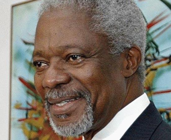 KOFFI ANNAN - 1997.  Nascido em Gana, termina os estudos nos Estados Unidos. Começa a trabalhar na Organização das Nações Unidas em 1962. Em 1997, entra para a História como o primeiro secretário-geral negro da entidade, cargo que deixa em 2007.