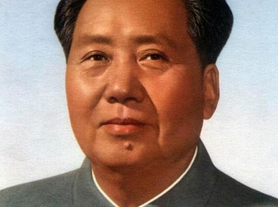 Os anos seguintes consagraram a liderança de Mao Tsé-Tung, que conseguiu reerguer a economia da China e aumentar a produção de grãos em mais de 70%. O primeiro tropeço do líder chinês veio em 1958. (Foto: Wikimedia Commons)