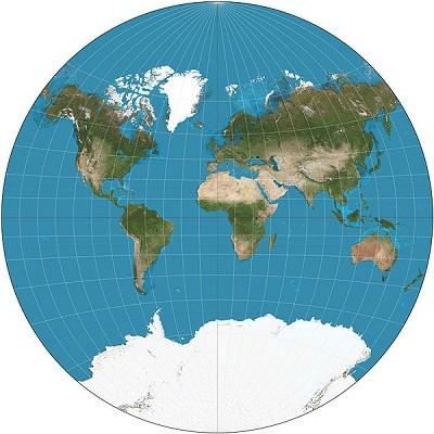 Já a projeção cartográfica é o traçado de linhas numa superfície plana, construindo assim mapas. Toda representação da Terra em mapas gera distorções. As projeções cartográficas visam minimizar algumas dessas distorções. (Foto: Wikimedia Commons)