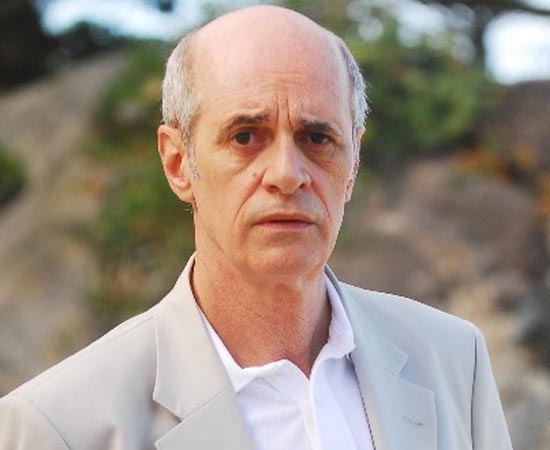 Marcos Caruso é formado em Direito pela Universidade de São Paulo (USP).
