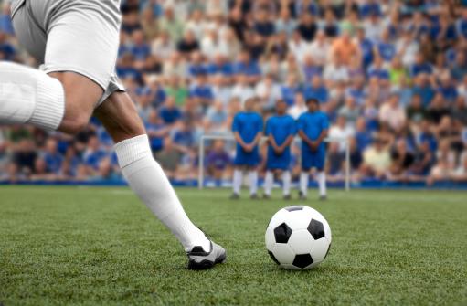 Na carreira de Marketing Esportivo, o profissional atua junto a agências que possuem clientes da área de esportes, nas empresas patrocinadoras ou em entidades esportivas, como clubes e federações.