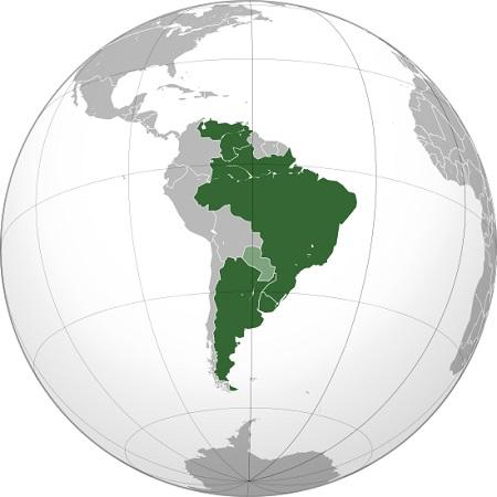 O Mercosul, ou Mercado Comum do Sul, é certamente o bloco econômico do continente mais conhecido entre os brasileiros. Brasil, Argentina, Uruguai e Paraguai são os fundadores do bloco. Após a queda de Fernando Lugo, então presidente paraguaio, esse país foi suspenso do Mercosul e a entrada da Venezuela foi aprovada. (Foto: Wikimedia Commons)