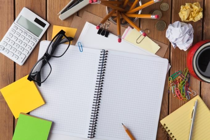 mesa-estudos-organizar.jpg