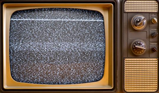 Na área de planejamento de mídia, o publicitário escolhe os veículos de comunicação mais adequados para difundir uma campanha, além de  negociar a compra de espaço para anúncios em outdoors, jornais, revistas, TVs, rádios e internet.