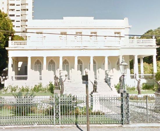 MUSEU DO ESTADO DE PERNAMBUCO - Possui mais de 12 mil itens, como peças de arte, antropologia, etnografia e história. Está localizado na cidade de Recife.