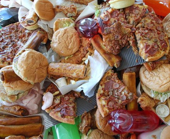 10 - Evite alimentos pesados no almoço; assim você fica longe da preguiça.