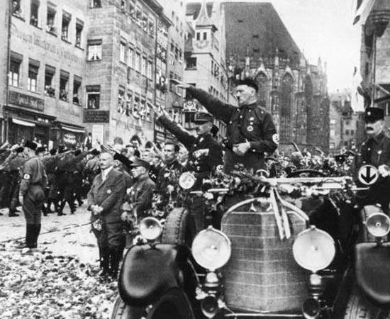 NAZIFASCISMO - Estude sobre o governo totalitário, o Fascismo na Itália e o Nazismo na Alemanha.