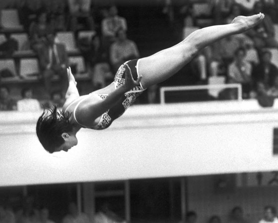 Em 1980, os atletas americanos não participaram dos jogos de Moscou, em protesto à invasão soviética ao Afeganistão em 1979. A resposta veio logo: os soviéticos não iriam aos jogos de Los Angeles, em 1984. Em Seul, Coréia do Sul, quatro anos depois, as superpotências voltariam a competir. Foto: Getty Images