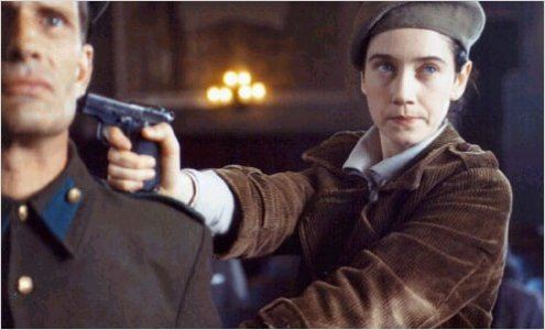 Olga (2004) - A cinebiografia da judia alemã Olga Benário Prestes foi dirigida por Jayme Monjardim. Militante comunista e companheira de Luís Carlos Prestes, Olga foi deportada para a Alemanha nazista durante o governo Getúlio Vargas. Presa num campo de extermínio, ela foi morta em 1942.