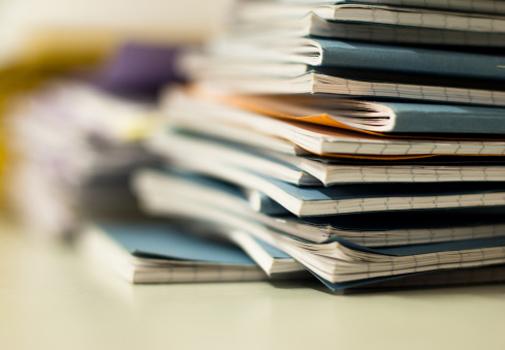 pilha-cadernos.jpg