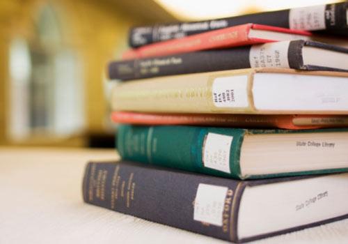 pilha-de-livros.jpg