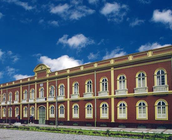 PINACOTECA DO ESTADO DO AMAZONAS - Possui mais de 10 mil peças de artistas brasileiros dos séculos 19 e 20. Está localizada em uma ala do Palacete Provincial, em Manaus.
