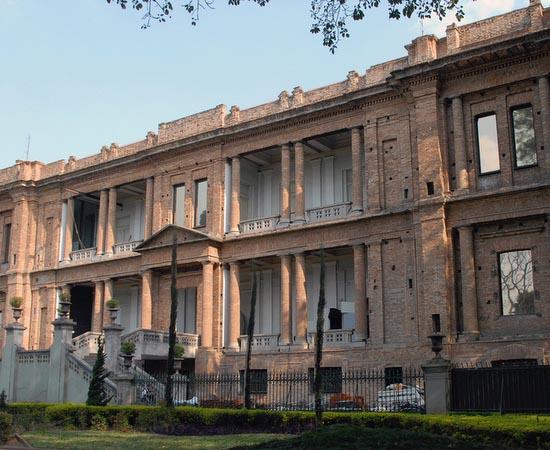 PINACOTECA DE SÃO PAULO - É um dos mais importantes museus de Arte do Brasil. Abrange majoritariamente a história da pintura brasileira dos séculos 19 e 20. Está localizada na região central da cidade de São Paulo.