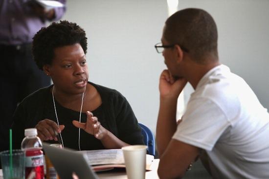 PSICOLOGIA ORGANIZACIONAL E DO TRABALHO - Atua nos processos seletivos de funcionários para empresas, na promoção das relações sociais entre os empregados e no treinamento e formação da equipe de Recursos Humanos.