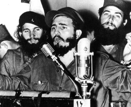 REVOLUÇÕES NO PÓS-GUERRA - Estude sobre ao Revolução Chinesa, a Revolução Cultural, Fidel Castro e Che Guevara.