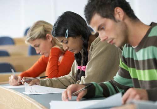 sala-alunos-estudando-concetracao.jpg