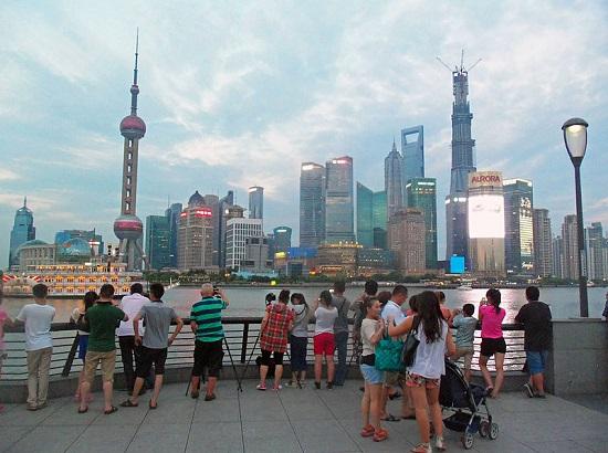 O século 21 presenciou o definitivo boom da economia chinesa, que cresceu a taxas de 8% ao ano. Nessa patamar de crescimento, a previsão é que a China se torne a maior economia do planeta nos próximos anos. (Foto: Wikimedia Commons)