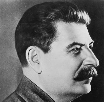 Lenin morreu em 1924, supostamente de causas naturais. Após uma luta pelo poder entre  Trotski e Stalin, o último saiu vitorioso. Mais tarde Trotski foi exilado e assassinado, a mando de Stalin.