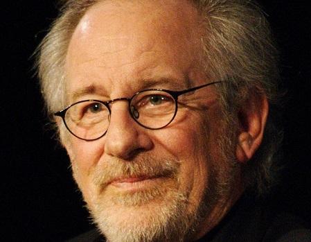 O cineasta Steven Spielberg também é projetista de cenários e roteirista de jogos de aventura e ficção científica. Em 1999, ele lançou o primeiro game de tiro em primeira pessoa passado na Segunda Guerra. (Foto: Wikimedia Commons)