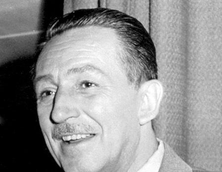 Quando estiver num cinema, agradeça ao Walt Disney. O áudio limpo das salas de cinema é obra dele, que estava insatisfeito com a qualidade do som existente. Por isso, Disney usou nove gravadores independentes para gravar as partes da trilha sonora de Fantasia. Nascia o som Surround. (Foto: Wikimedia Commons)