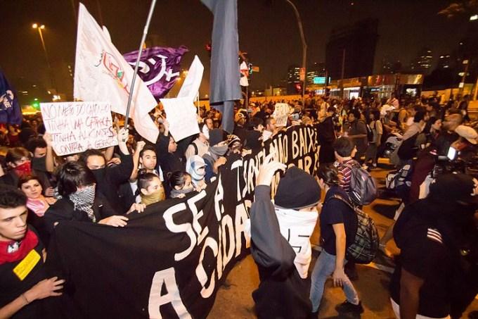 800px-Protesto_SP_(2)