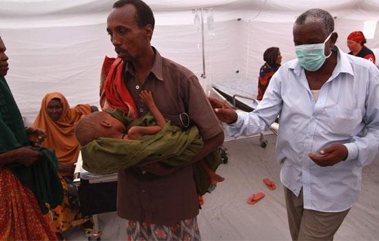 pai-crianca-somali-refugiados