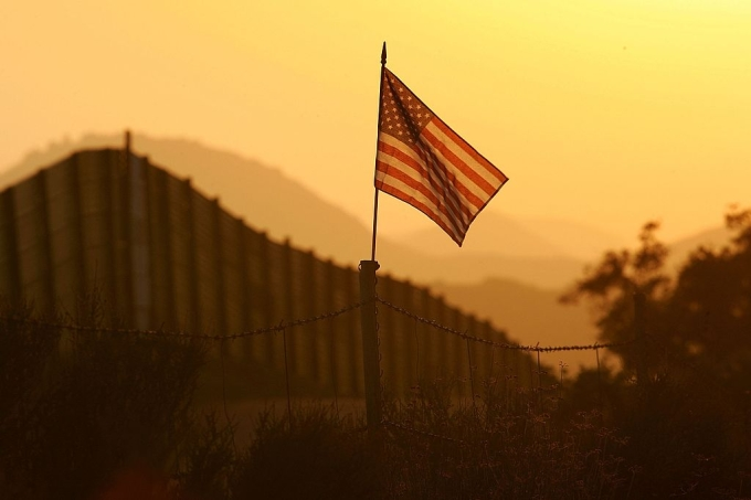 US-Mexico Border Fence Impacts Borderlands Environment