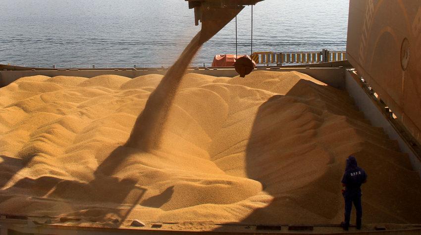 Carregamento de soja no Porto