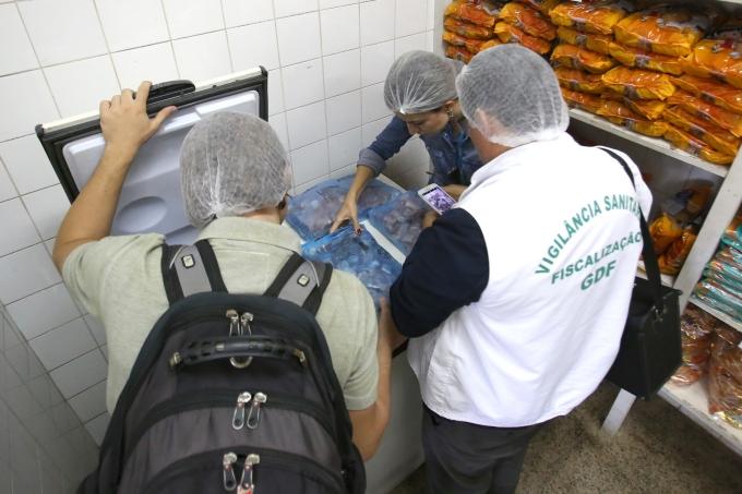 Vigilância Sanitária inspeciona lotes de carne na rede pública de ensino do DF
