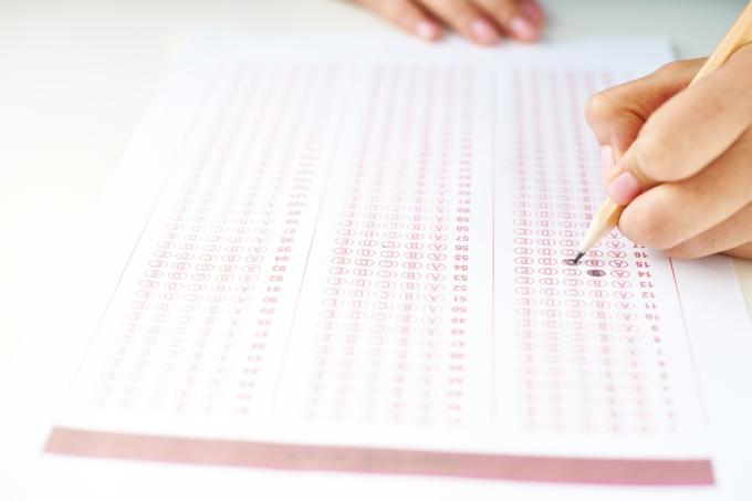 Mão, aluna, teste, gabarito, lápis, estudante, prova