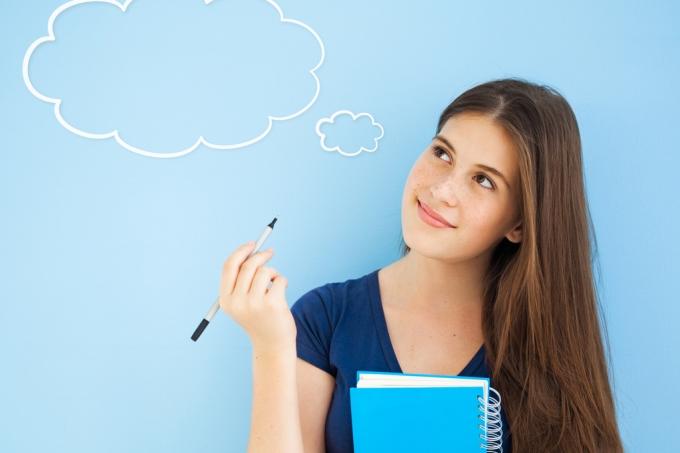 Estudante pensando