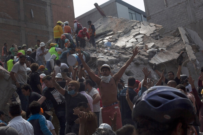 Earthquake Strikes Mexico City