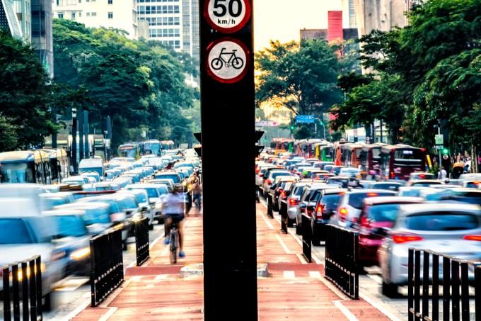 Rush hour na Avenida Paulista