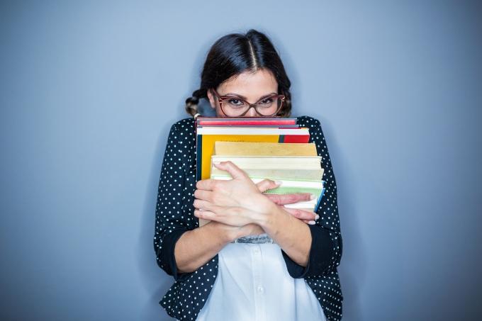menina gostar livros