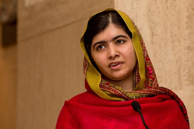 Malala Yousafzai Unveils Her Official Portrait By Nasser Azam