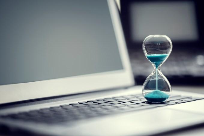ampulheta – computador – tempo