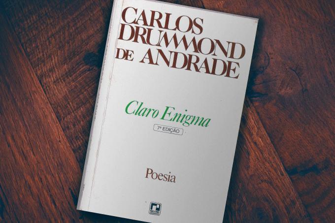 """""""Claro Enigma"""" – Análise da obra de Carlos Drummond de Andrade"""