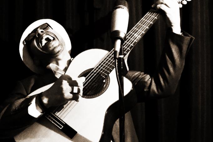 Estude a poesia de Camões com a ajuda de músicas da MPB