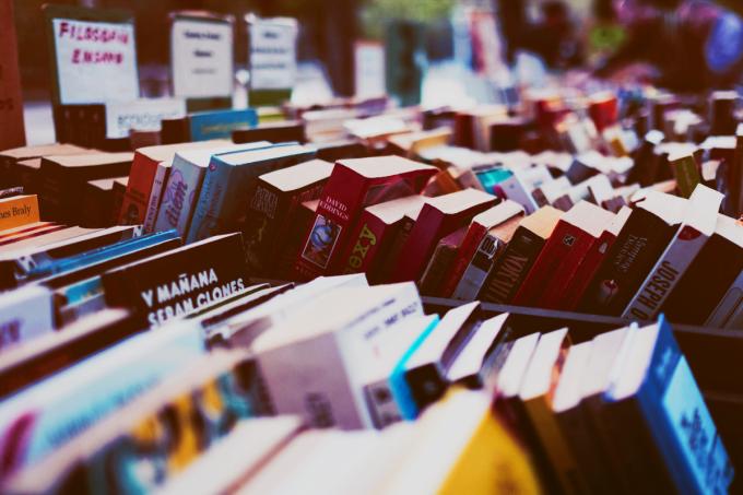 15 curiosidades sobre autores que caem no vestibular