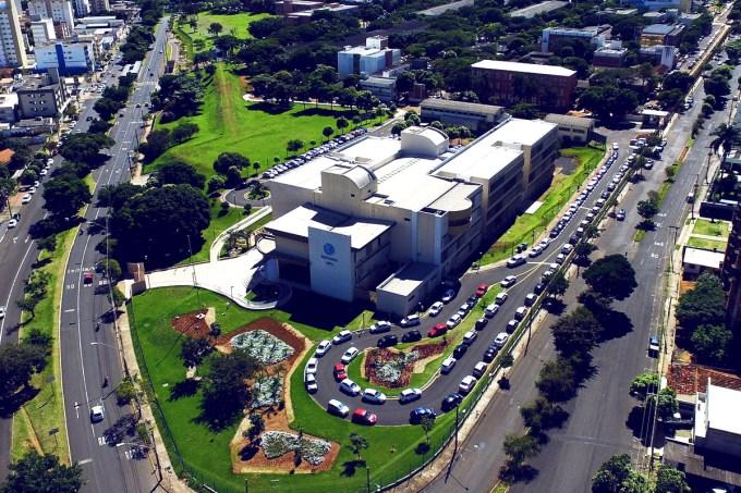 Universidade Federal de Uberlândia cortará bolsas e transporte por causa do contingenciamento