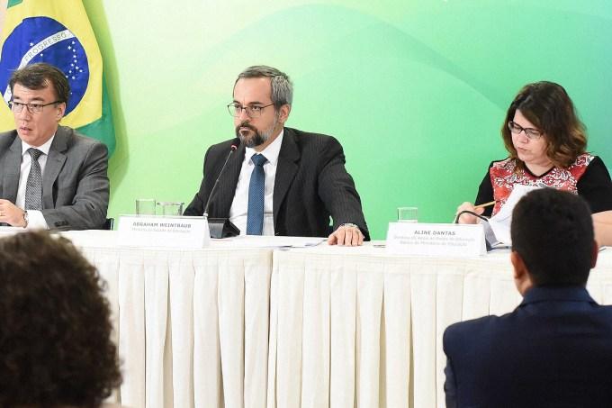[nota Tais] MEC vai liberar recursos para melhorar acesso à internet nas escolas e implementar Enem digital