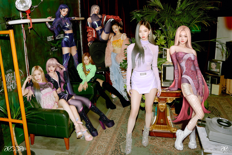 Grupo estreante Aespa mistura integrantes humanos com suas versões digitais.