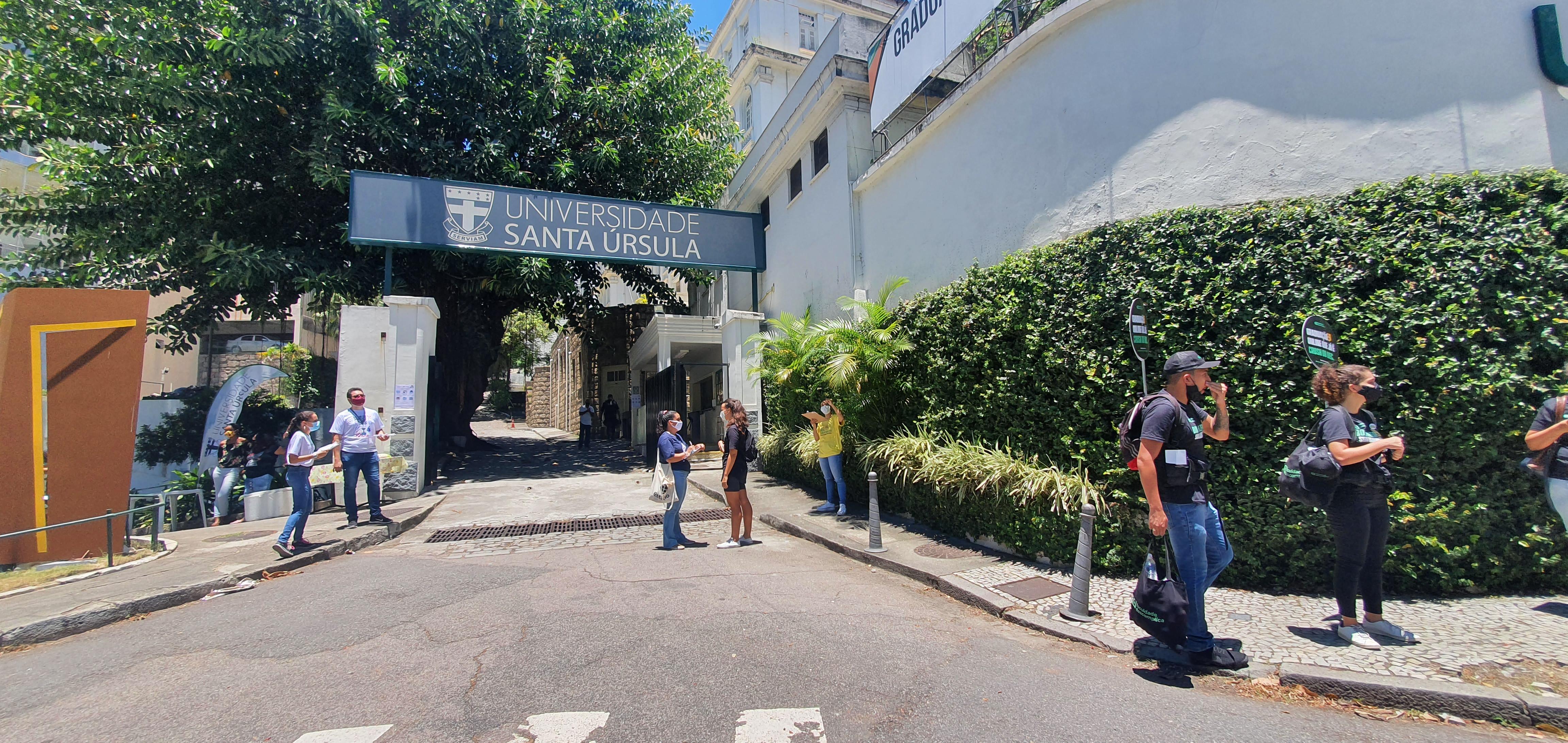 Tranquilidade na entrada do Enem em Botafogo
