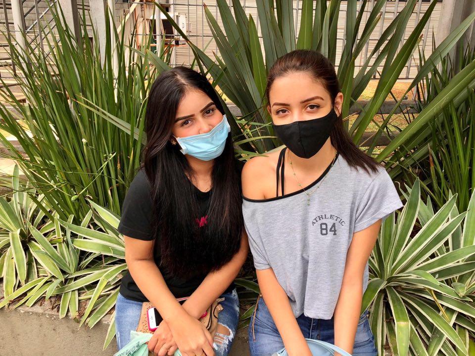 Estudante enfrentam a Fuvest de máscaras