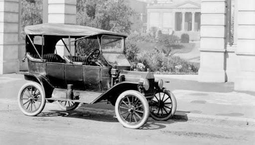 O Ford Modelo T (Ford Bigode) foi produzido pela Ford nos Estados Unidos entre 1908 e 1927